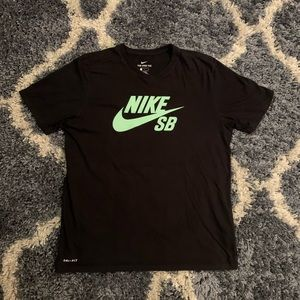 Nike SB Dri-Fit Shirt